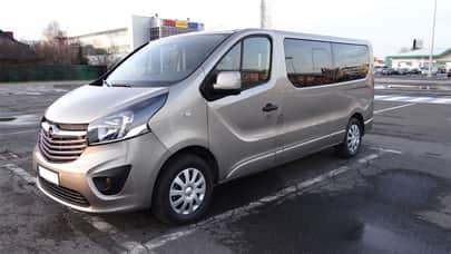 Wypożyczalnia busów Opel VIVARO box